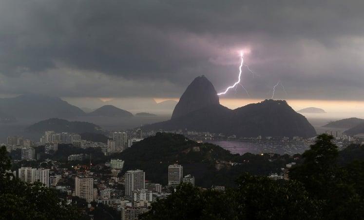 Thunderstorm in Brazil (credit: Fox Sports)