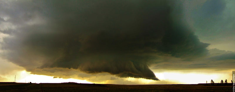 Murus -Wall Cloud (credit: Eric Van Lochem)