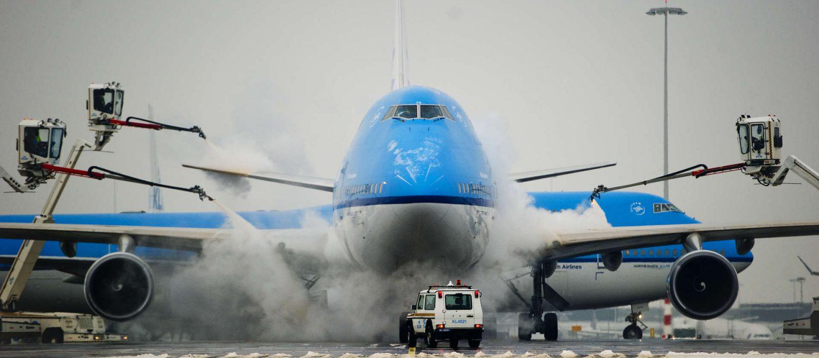 De-icing of Plane