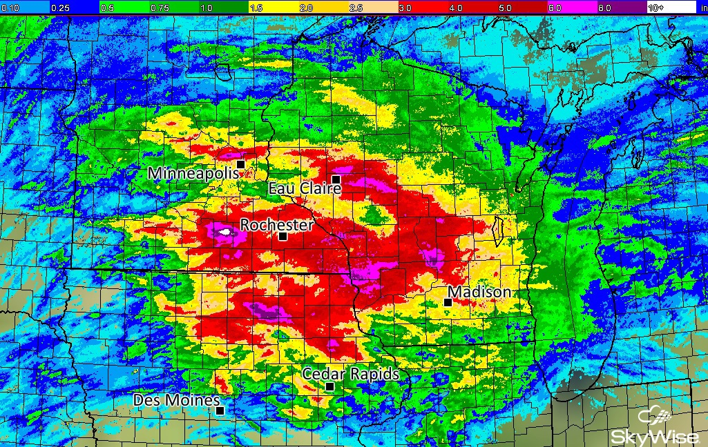 Flooding Causes Evacuations in Iowa